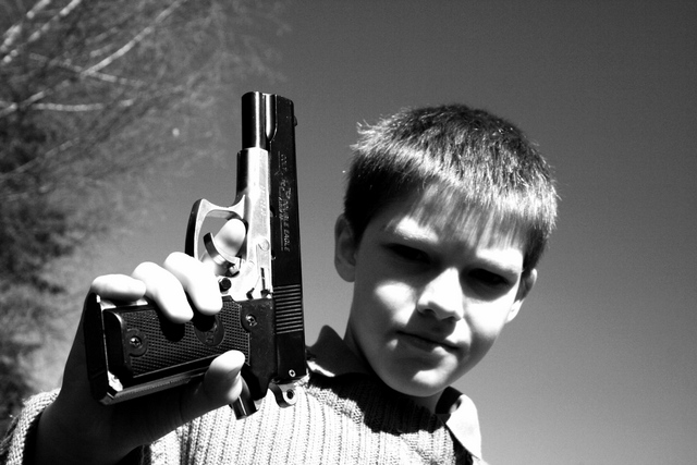 Kids with Gun